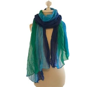 Green and blue ombré light scarf 🌏